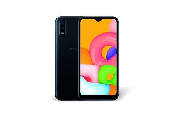 "SAMSUNG Galaxy A01 2020 5.7"" Octa Core 32GB 2GB de RAM Cámara Dual 13MP Desbloq Facial - Negro en Tienda Inglesa"