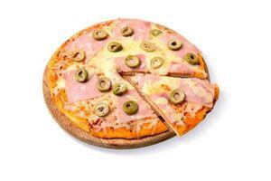 Pizza con Jamón y Aceitunas en Tienda Inglesa