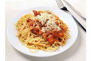 Spaghetti con Tuco de Pollo en Tienda Inglesa