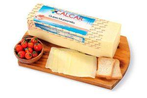 Queso Muzzarella CALCAR (Kg) en Tienda Inglesa