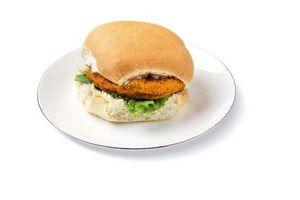 Hamburguesa Empanada al Pan de Pollo en Tienda Inglesa